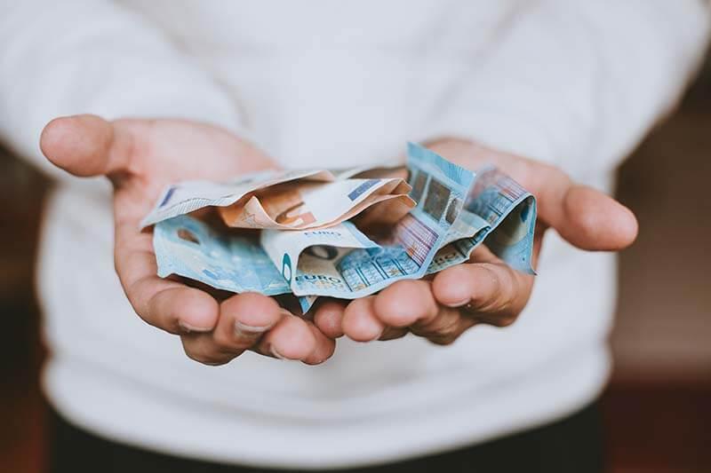 二胎貸款是眾多貸款項目中,較能貸到高額的貸款業務,那麼二胎貸款意思是什麼?除了二胎貸款銀行之外,哪裡有提供二胎貸款融資?二胎貸款利率是否有受到法定的規範?從來沒有辦過二胎貸款,讓你好緊張?別擔心,以下由專辦二胎貸款的台新代書為你詳細說明關於二胎貸款的事項,以及分享二胎貸款ptt網友真實經歷供參考。二胎貸款意思是什麼?誰會…